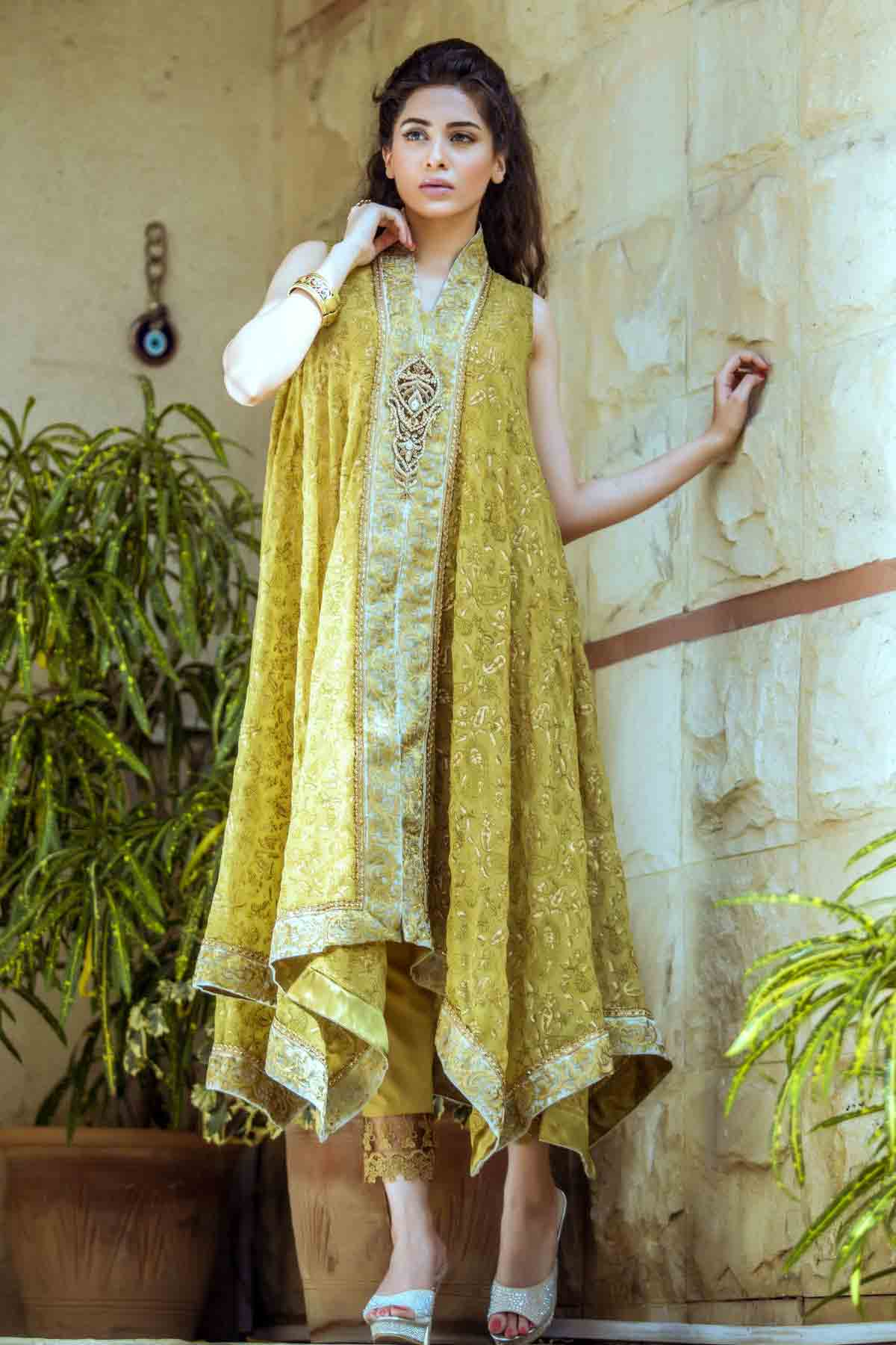 Pakistani mehndi dresses with price for bridals fashioneven Pakistani fashion designers
