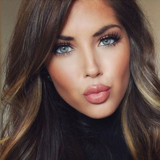 sexy lipstick with best eye shadow trends for Christmas party makeup look for women 2017