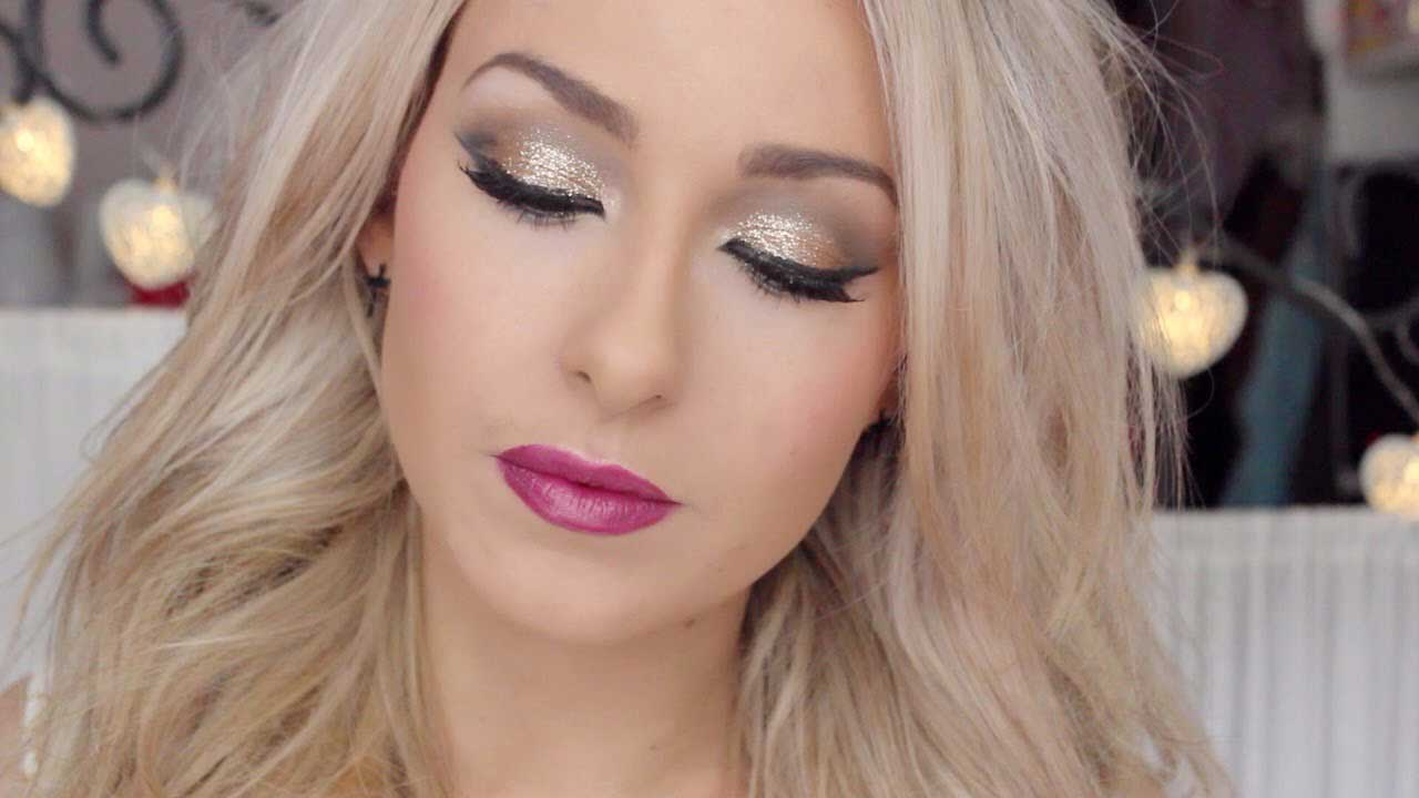 new Christmas makeup looks for women, best Christmas women makeup look