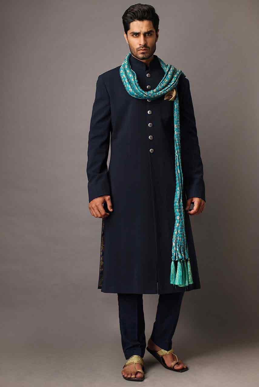 best navy blue pakistani groom wedding sherwani designs 2017 for mehndi with matching sky blue dupatta