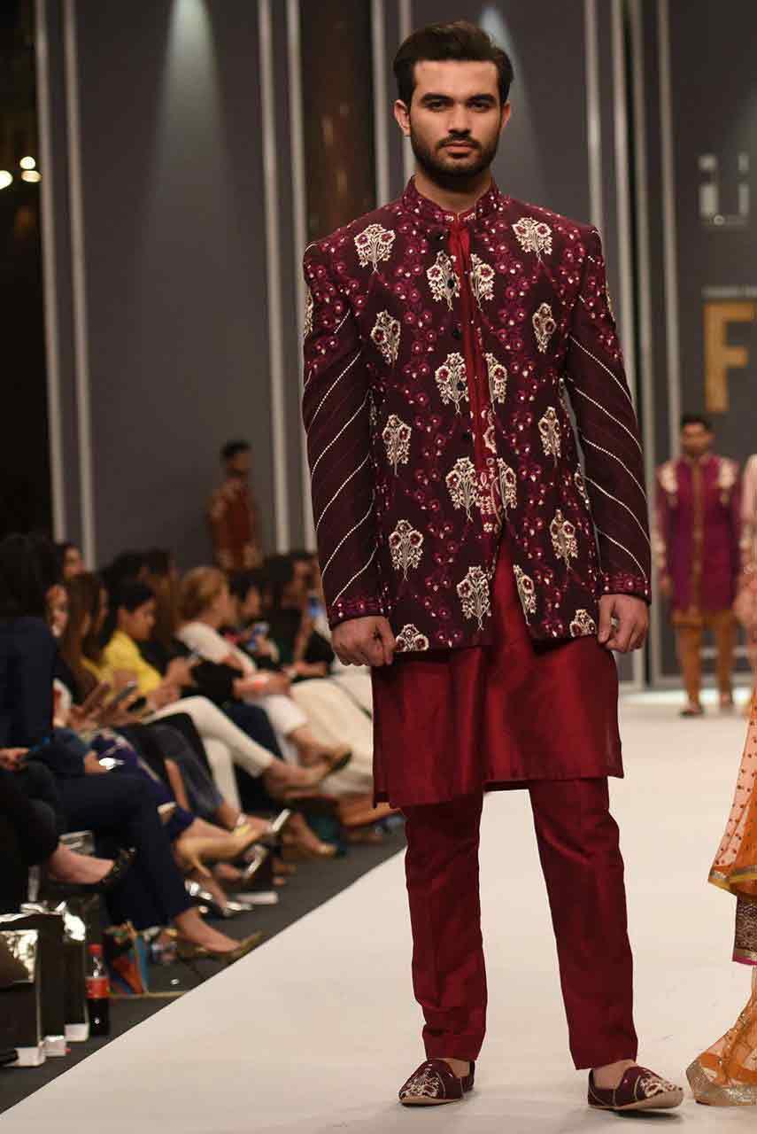 groom,wedding,sherwani,designs,for,mehndi,18 \u2013 FashionEven