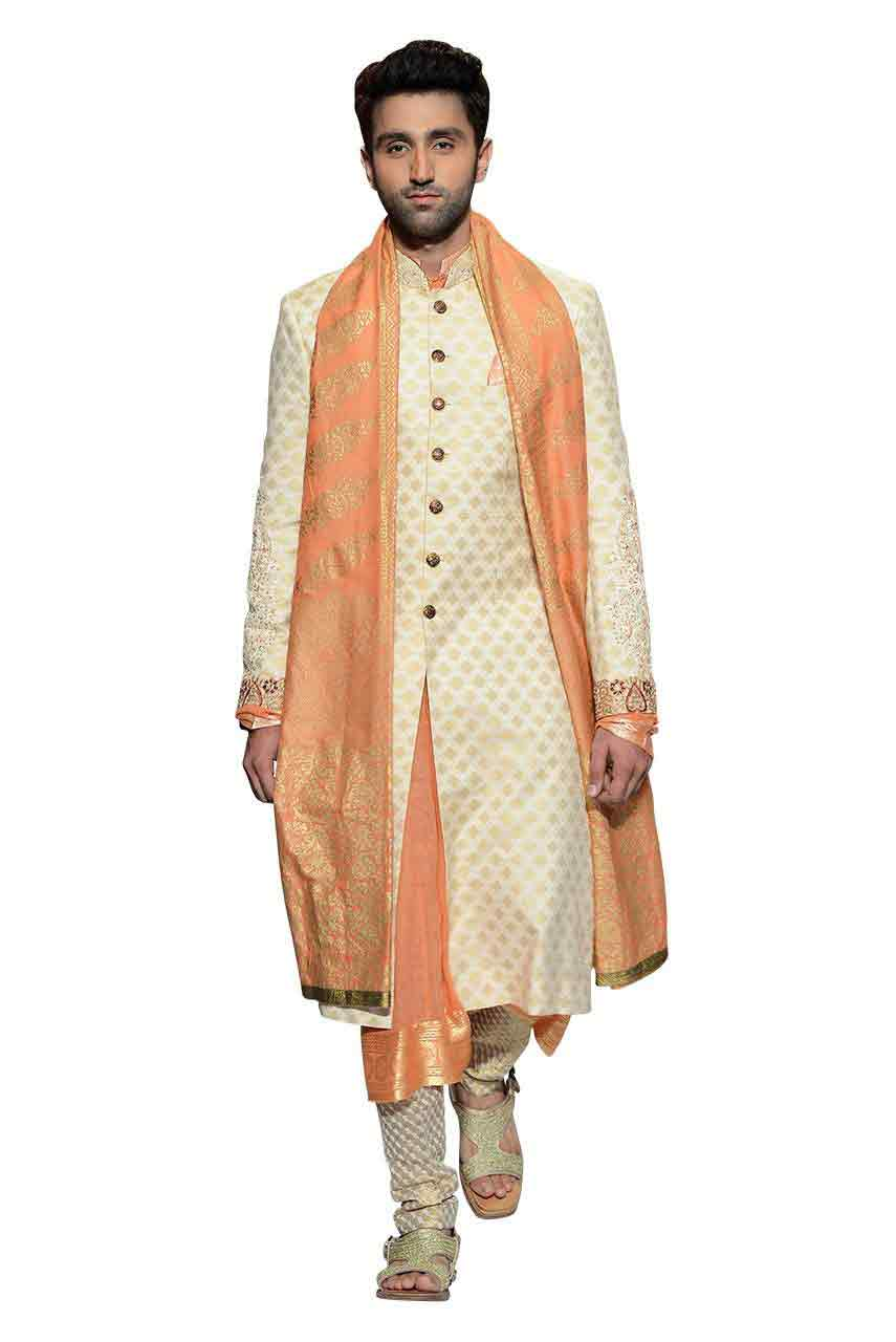 latest white pakistani groom wedding sherwani designs 2017 for mehndi with peach dupatta