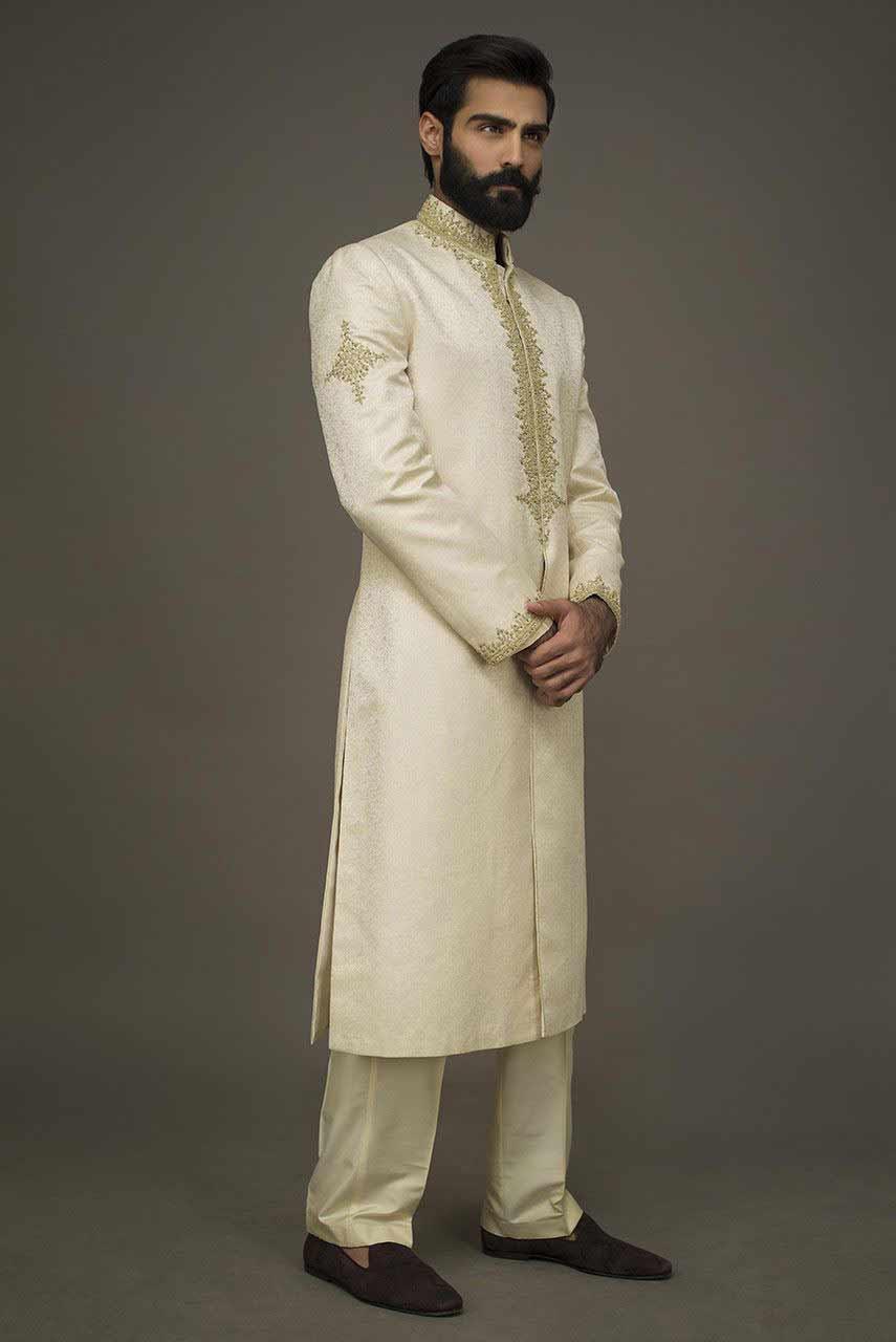 Amazing White Embroidered Pakistani Groom Wedding Sherwani Designs 2018 For Mehndi