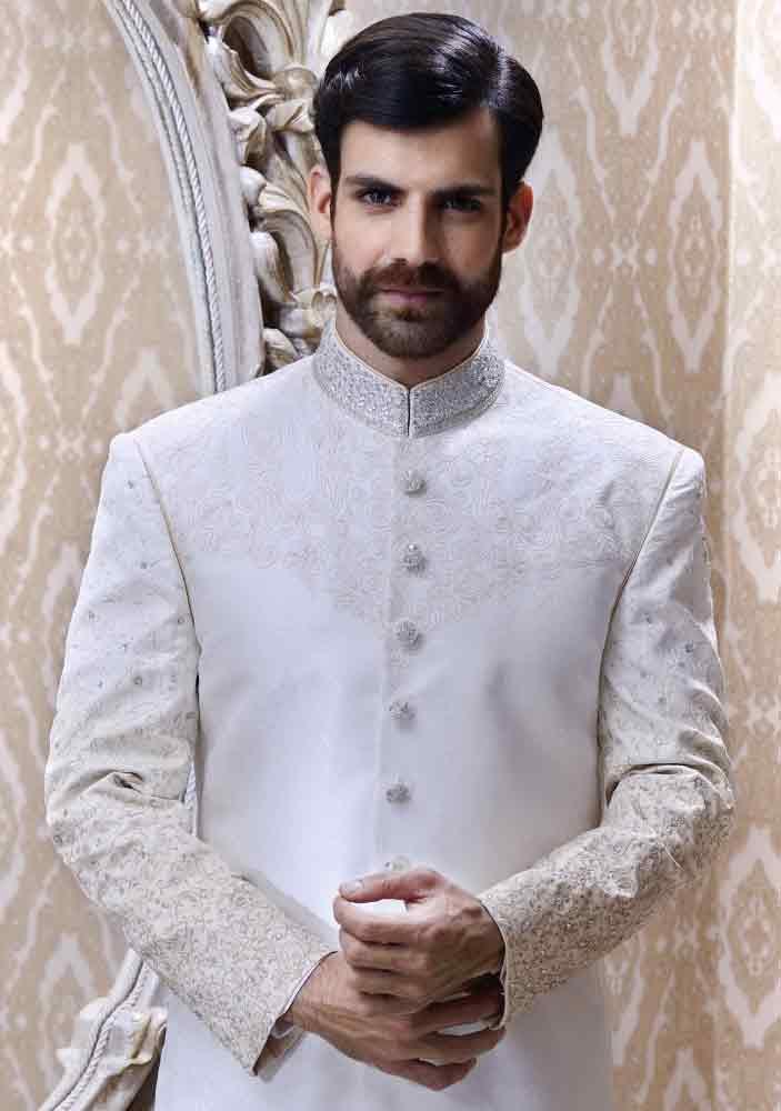 Amazing And Cool White Pakistani Groom Wedding Sherwani Designs 2018 For Mehndi