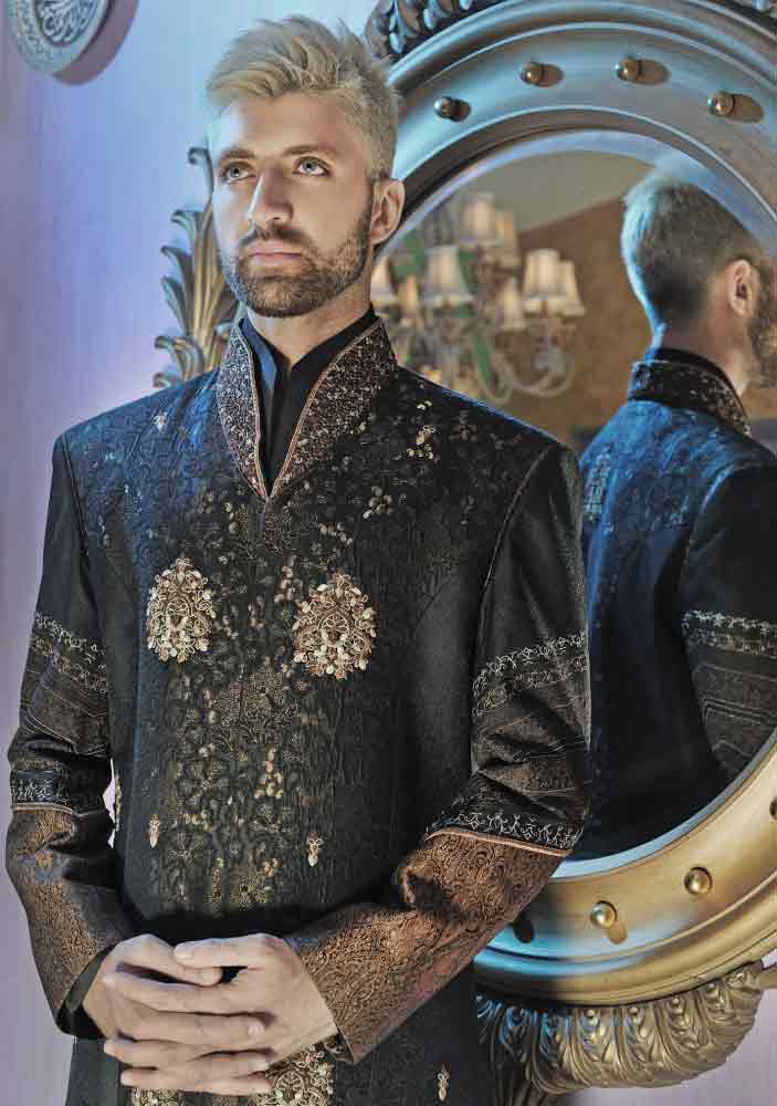 trendy style of embroidered black pakistani groom wedding sherwani designs 2017 for mehndi