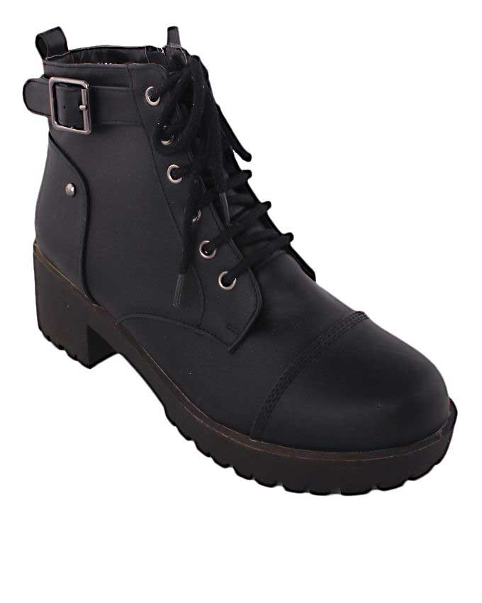 trendy hiking boots 2016