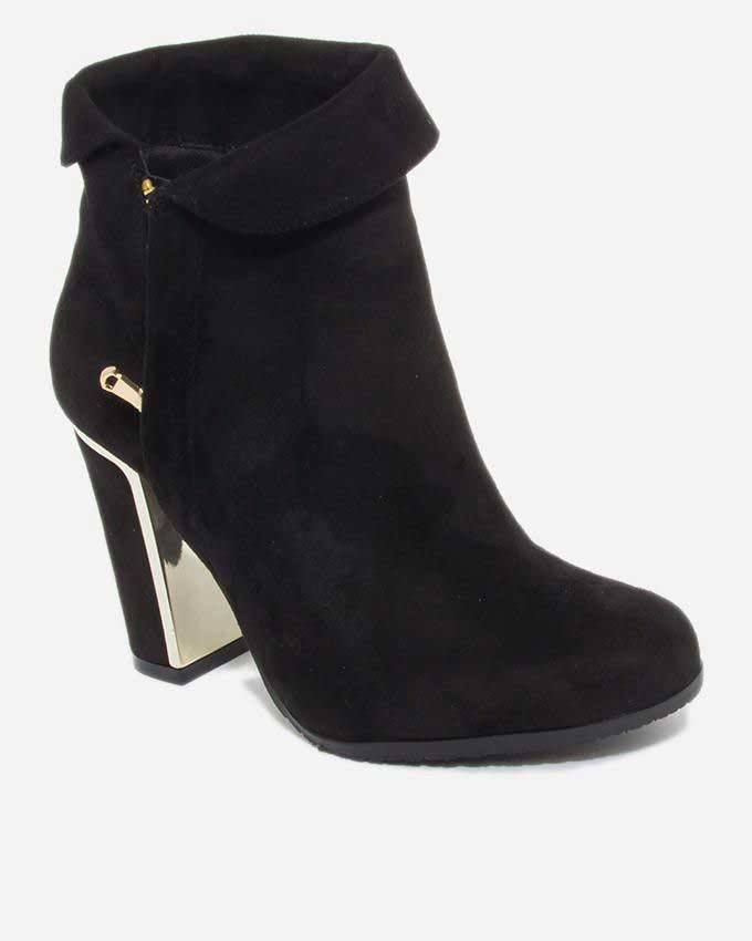 trendy black ankle boots for winter season