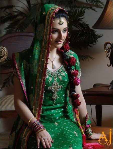 side flower braid mehndi hairstyles