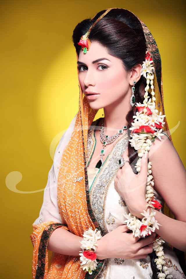 simple and easy flower braided mehndi hairstyle trend
