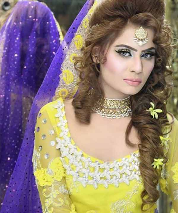 latest side fishtail mehndi hairstyle for bridal
