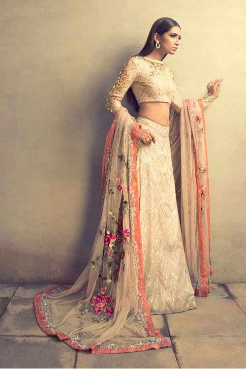 new pink peach and white latest bridal wedding lehenga dress designs 2017 for barat day by top designers