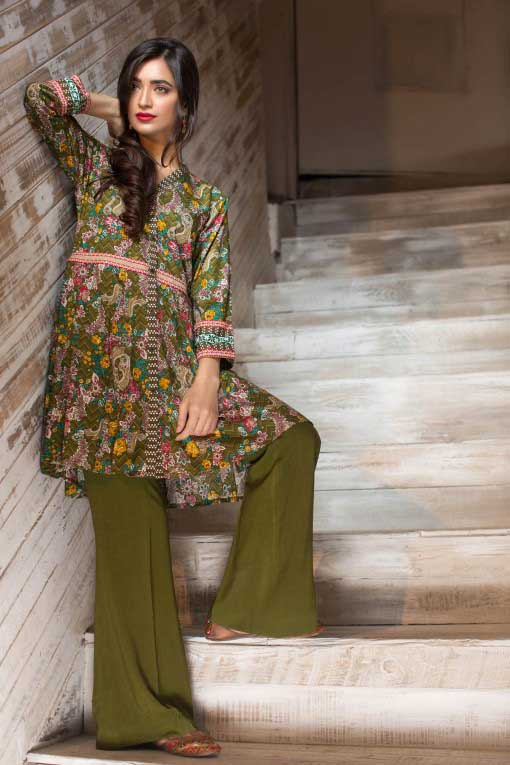 latest green short frock winter dresses in Pakistan 2018 for girls