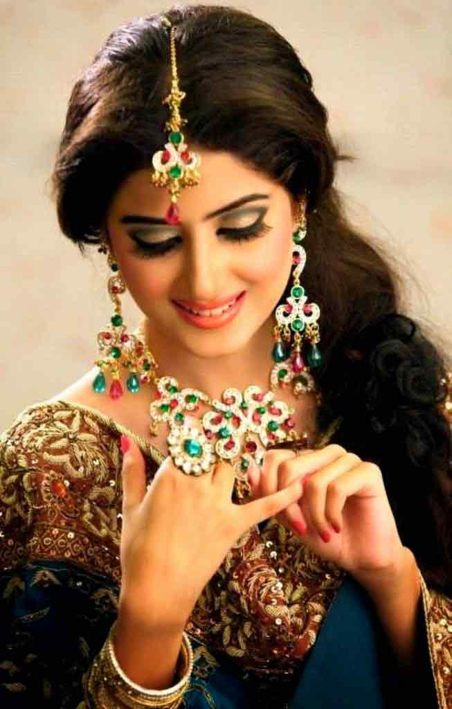 cute twisted eid hairstyles 2017 for pakistani girls