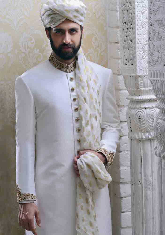 Wedding Sherwani Designs For Groom Barat In 2018 Fashioneven
