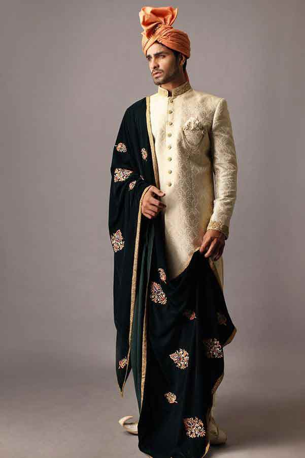 latest off white pakistani mens wedding sherwani barat dresses 2017 with turban and dupatta