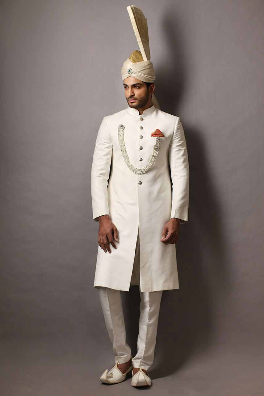 new style of white pakistani mens wedding sherwani barat dresses 2017 with white turban or pagri