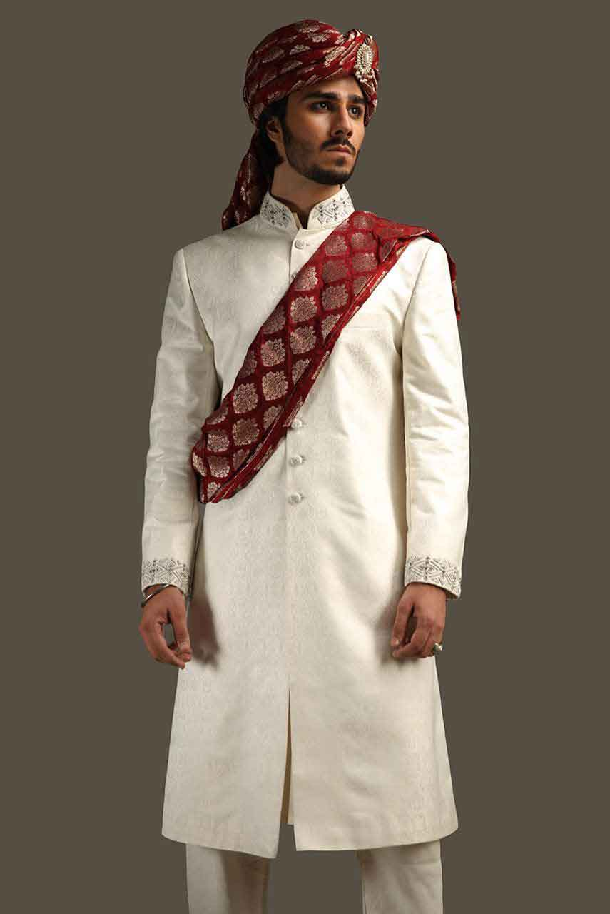 latest white pakistani mens wedding sherwani barat dresses 2017 with maroon turban and embroidered patka or scarf