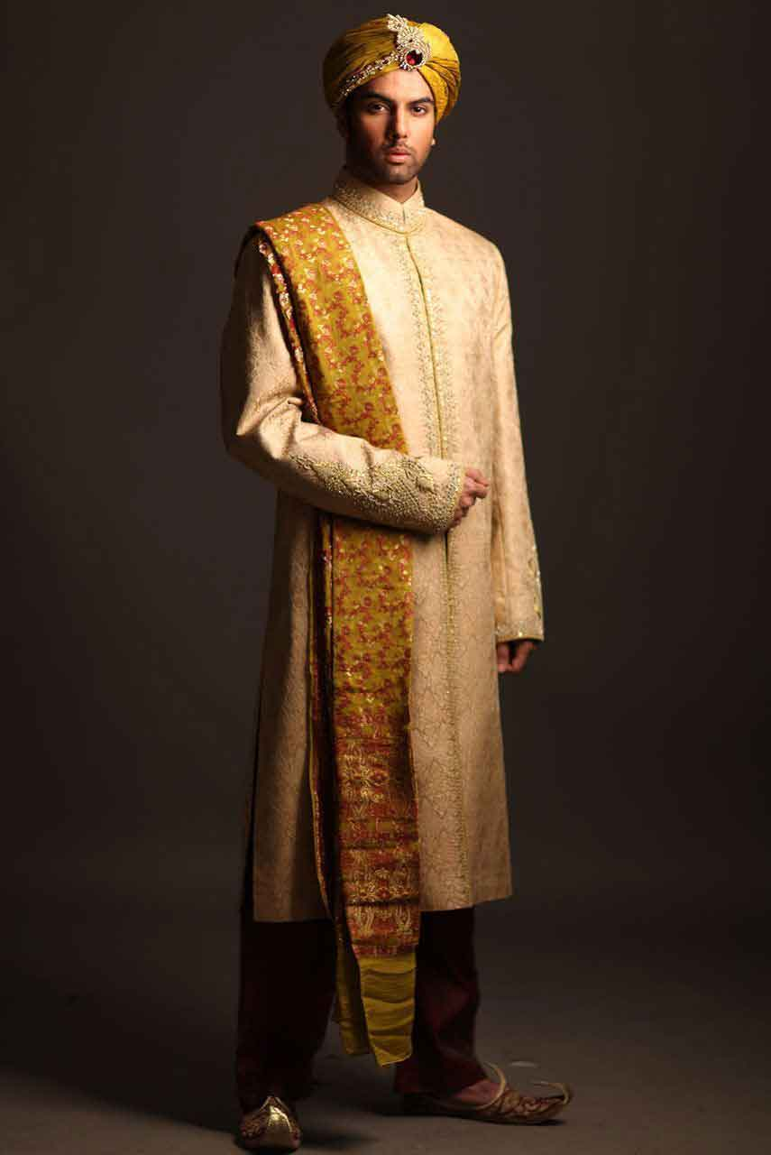 latest pakistani mens wedding sherwani barat dresses 2017 off white sherwani with turban or pagri and yellow patka or dupatta