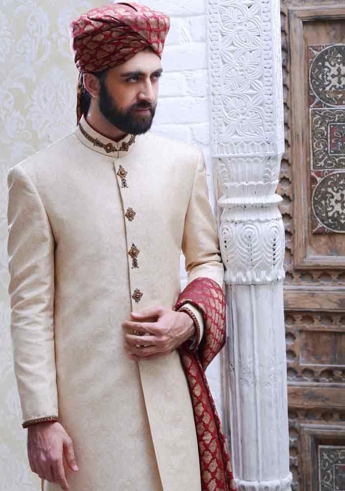 stylish trendy off white pakistani mens wedding sherwani barat dresses 2017 with red turban or pagri