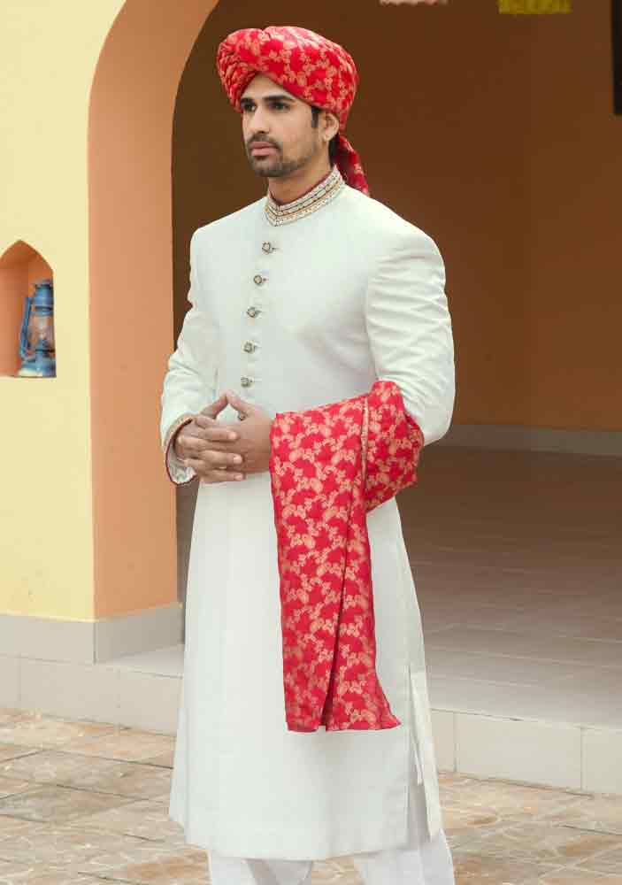 latest white pakistani mens wedding sherwani barat dresses 2017 with pink turban or pagri
