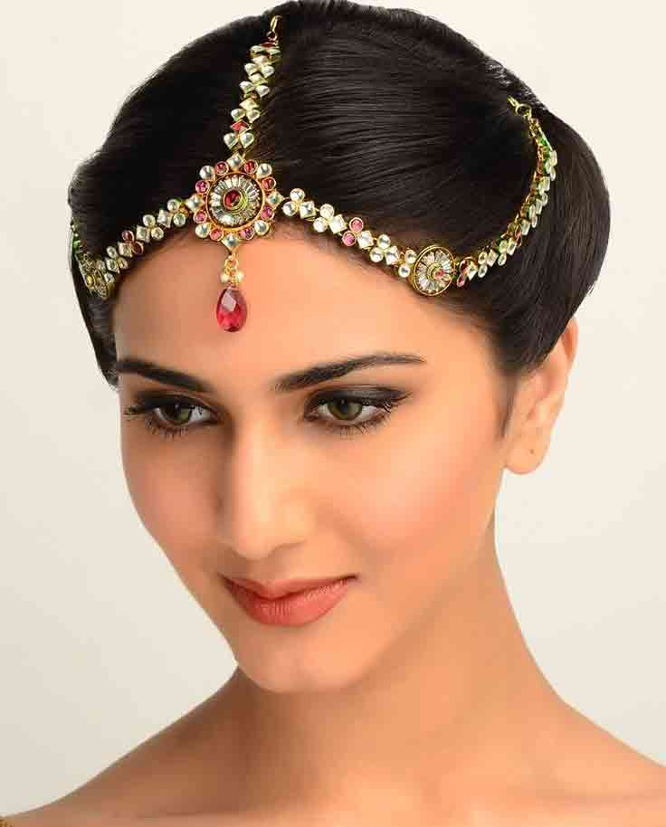 best matha patti or maang tikka hairstyles for party 2017 with jura/juda or bun hairstyle
