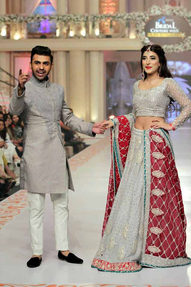 bridal in most trendy grey lehnga choli with red dupatta and groom in matching grey short sherwani with white pajama or trouser latest indian and pakistani wedding matching dress combinations for bride and groom 2017