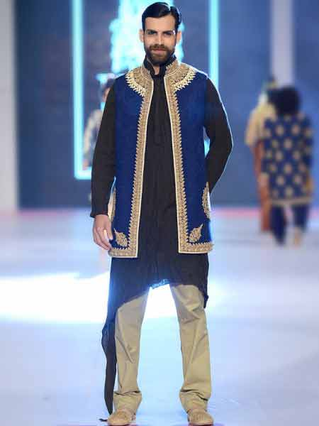 new style of black and royal blue short sherwani fashion with skin pants new short sherwani styles 2017 sherwani for men in pakistan