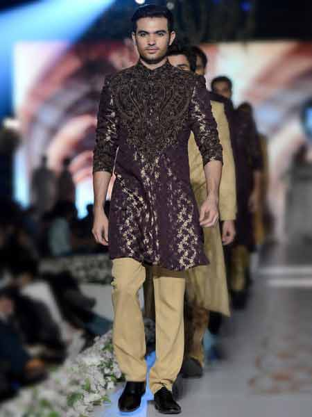 latest magenta short sherwani for men with skin pajama new short sherwani styles 2017 sherwani for men in pakistan