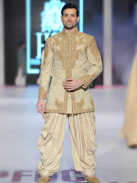 Embroidered cream short sherwani with patiyala shalwar new short sherwani styles 2017 sherwani for men in pakistan