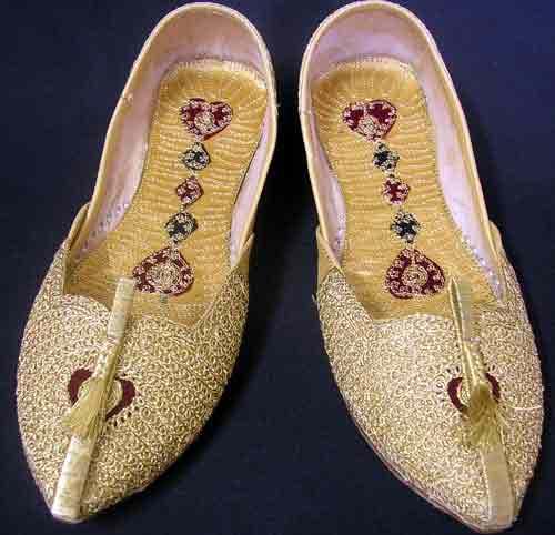 Latest off white wedding khussa styles 2017 new sherwani khussa shoes for men
