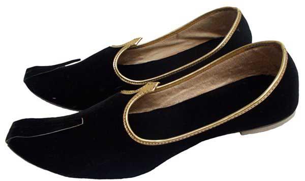 simple black velvet wedding khussa styles 2017 new sherwani khussa shoes for men