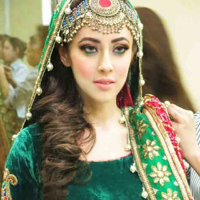 green pathani frock style dress designs 2017 with maang tikkha hairstyle