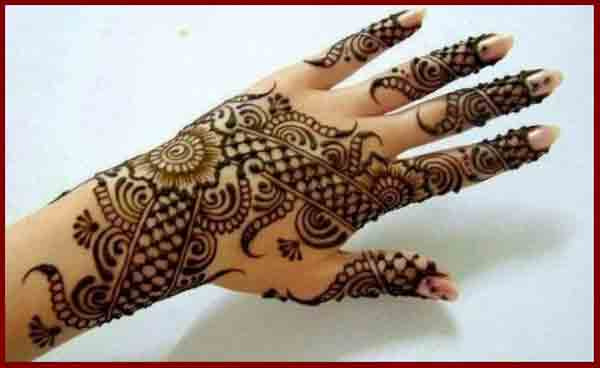 Latest back hand new and simple Pakistani mehndi designs 2017 for eid