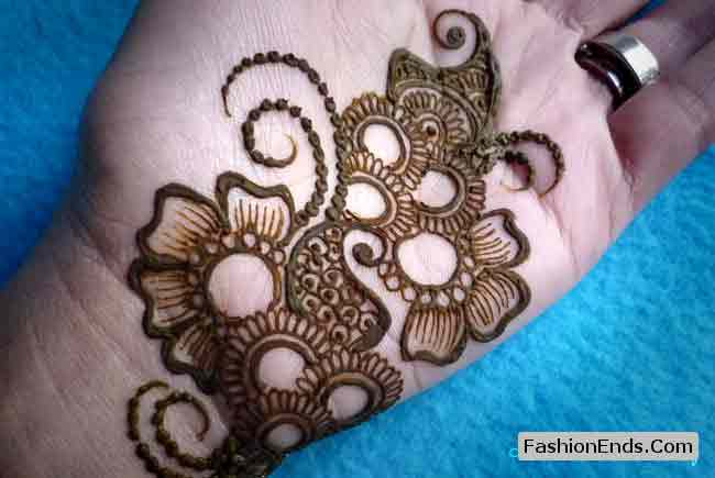 new fashion of front hand floral mehndi designs for men 2017