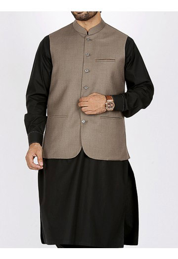 men gray waist coat with black kurta men eid kurta shalwar kameez and waistcoat dress designs 2017 by Junaid Jamshed