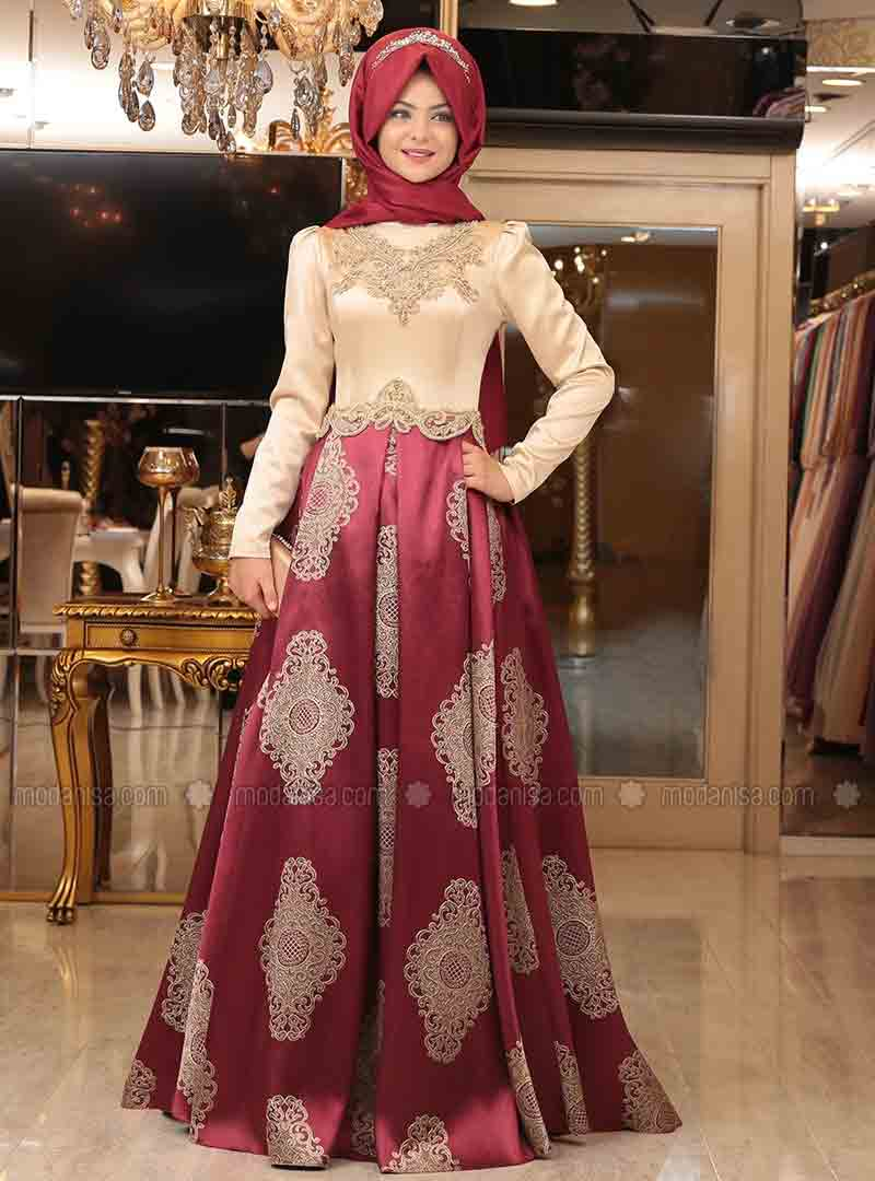 best maroon hijab with lehnga choli or skirt blouse new eid party hijab style 2017