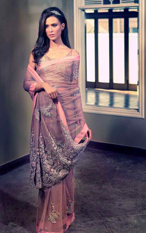 Pakistani saree designs in pink color for wedding brides