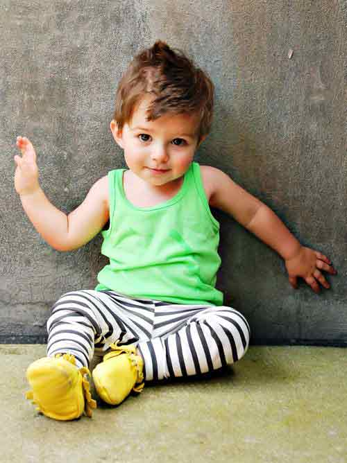 Green shirt with white and black pajama for 14th august dresses for baby boys in Pakistan 2017