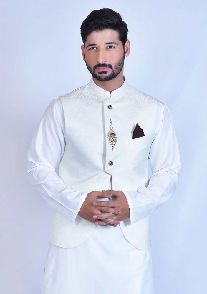 White waistcoat designs 2017 with white kurta for boys in Pakistan
