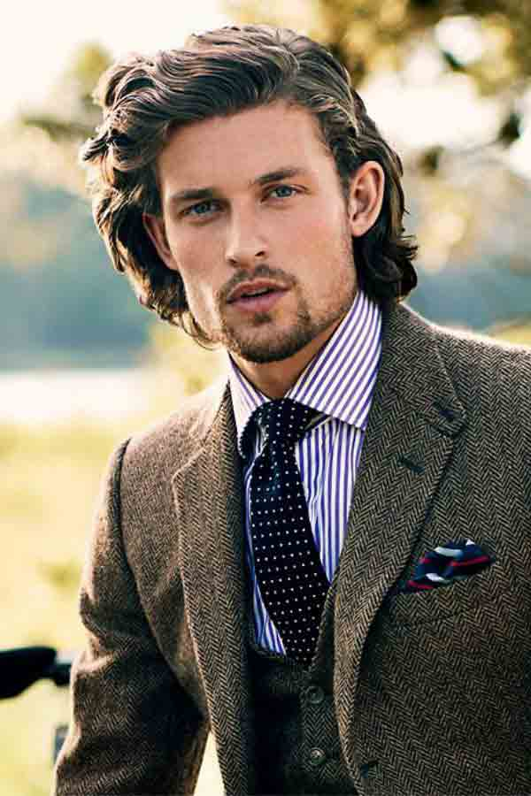 Shoulder length or slightly shorter best long haircuts and hairstyles for men in 2017