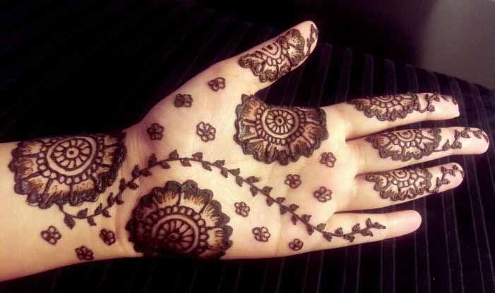 front hand mehndi designs for boys hands 2017