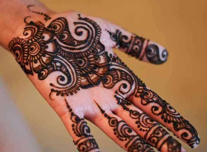 Latest front hand mehndi designs for boys hands 2017