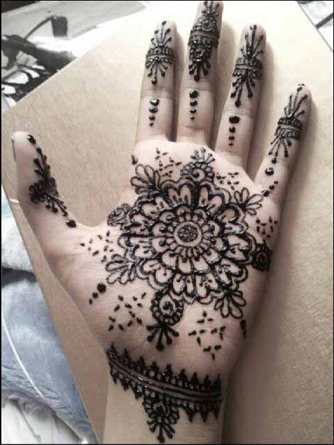 Front handmehndi designs for boys hands 2017
