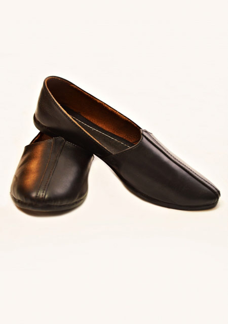 black leather men shoes designs from the collection of men dresses and shoes for fall winter 2017 by Amir Adnan