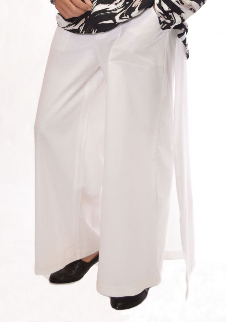 White overlap plain trouser from the collection of men dresses and shoes for fall winter 2017 by Amir Adnan
