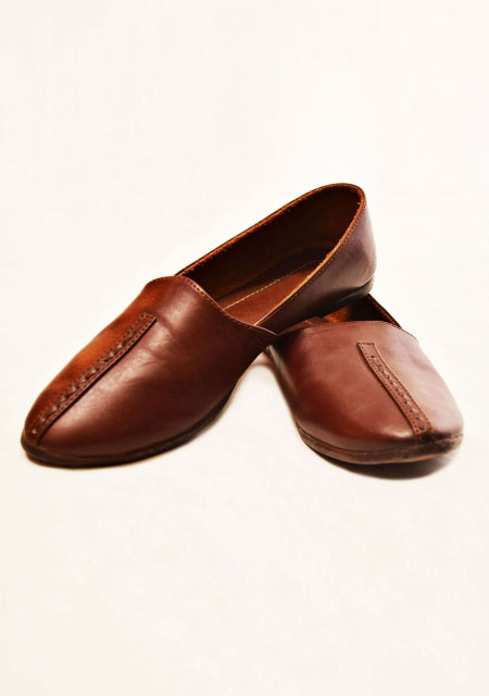 brown leather men shoes designs from the collection of men dresses and shoes for fall winter 2017 by Amir Adnan