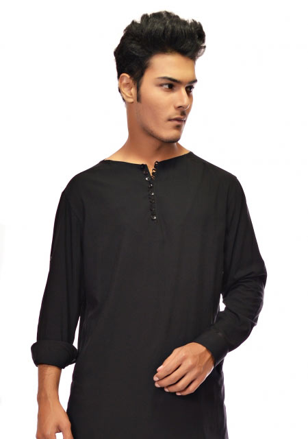 Simple black men kurta designs from the collection of men dresses and shoes for fall winter 2017 by Amir Adnan