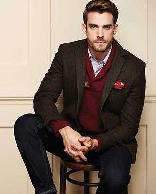 Maroon and white shirt with pants coat from the new collection of latest Christmas party dresses for men in 2017