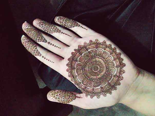 Easy gol tikka mehndi designs 2017 for front hands