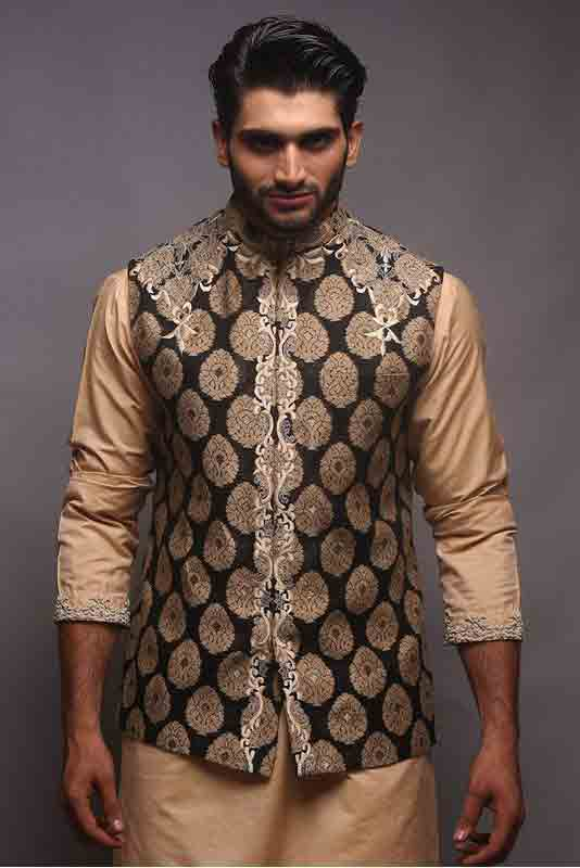 Blue jamawar waistcoat with skin kurta pajama designs 2017 for men in Pakistan